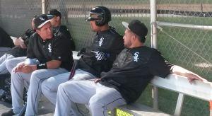 Avisail García, José Abreu y Melky Cabrera tuvieron tiempo para conversar un rato durante la práctica
