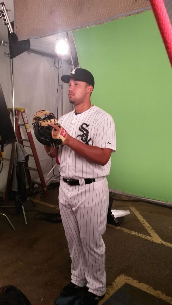 José Abreu en el set de Comcast