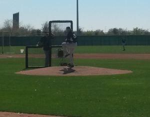 Jeff Samardzija realizó su segundo trabajo ante bateadores de los entrenamientos
