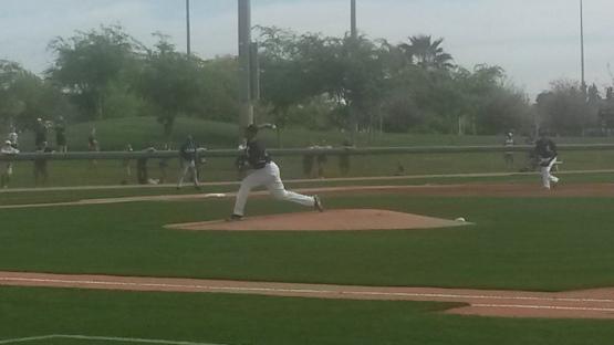 Michael Ynoa en su labor de hoy ante los Rangers